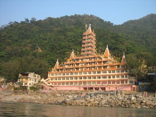 Temple at Lakshman Jhula
