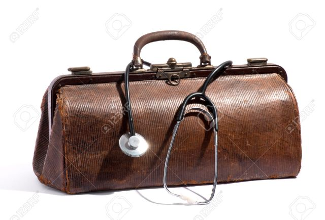 27151439-Old-brown-leather-doctors-bag-with-a-stethoscope-looped-around-the-handle-in-a-medical-and-healthcar-Stock-Photo